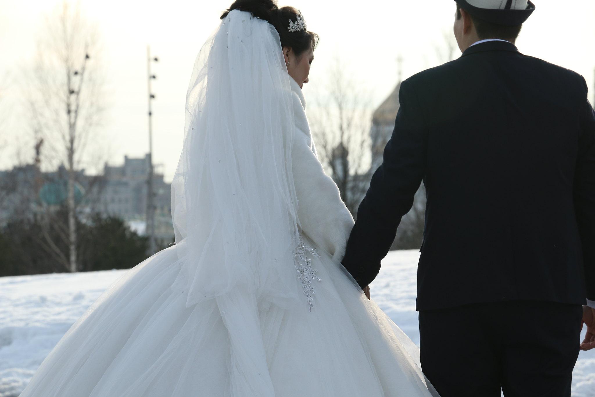 полторы киргизские свадьбы как проходят в москве видео стоит один раз