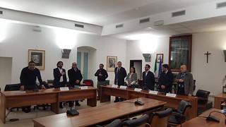 L'incontro si apre con l'Inno d'Italia