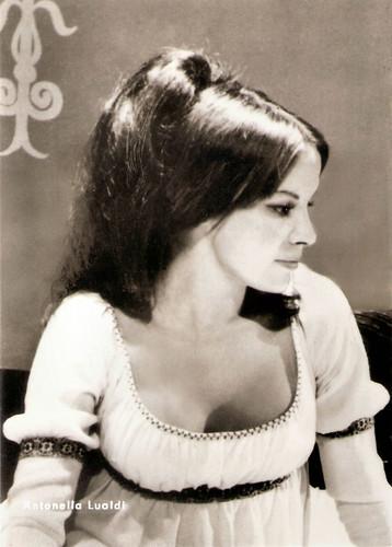 Antonella Lualdi in Columna (1968)
