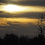 20180407-193237 - Sonnenuntergang mit Knick & Wolken