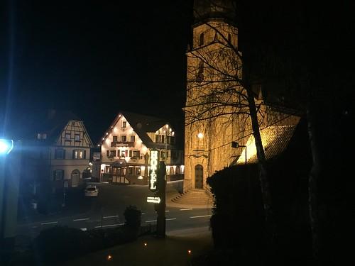 Blick vom Gästehaus auf das Hotel Lamm & Katholische Kirche