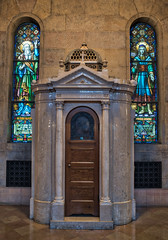 Basilica Confessional ahdr