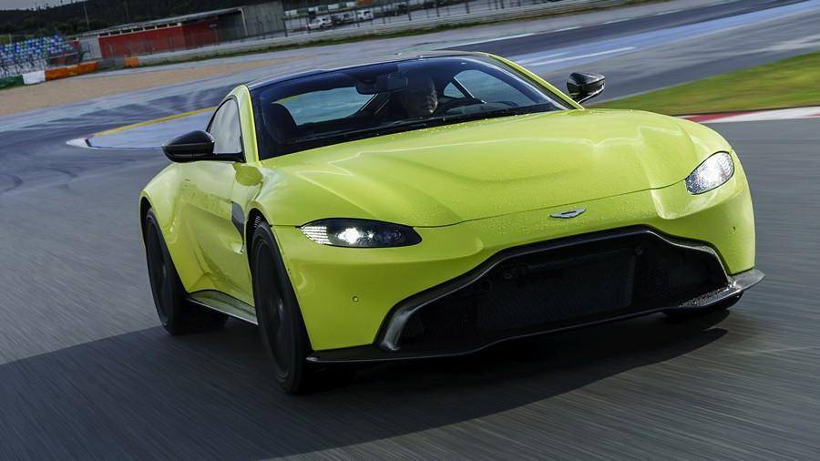 Aston Martin Vantage 01
