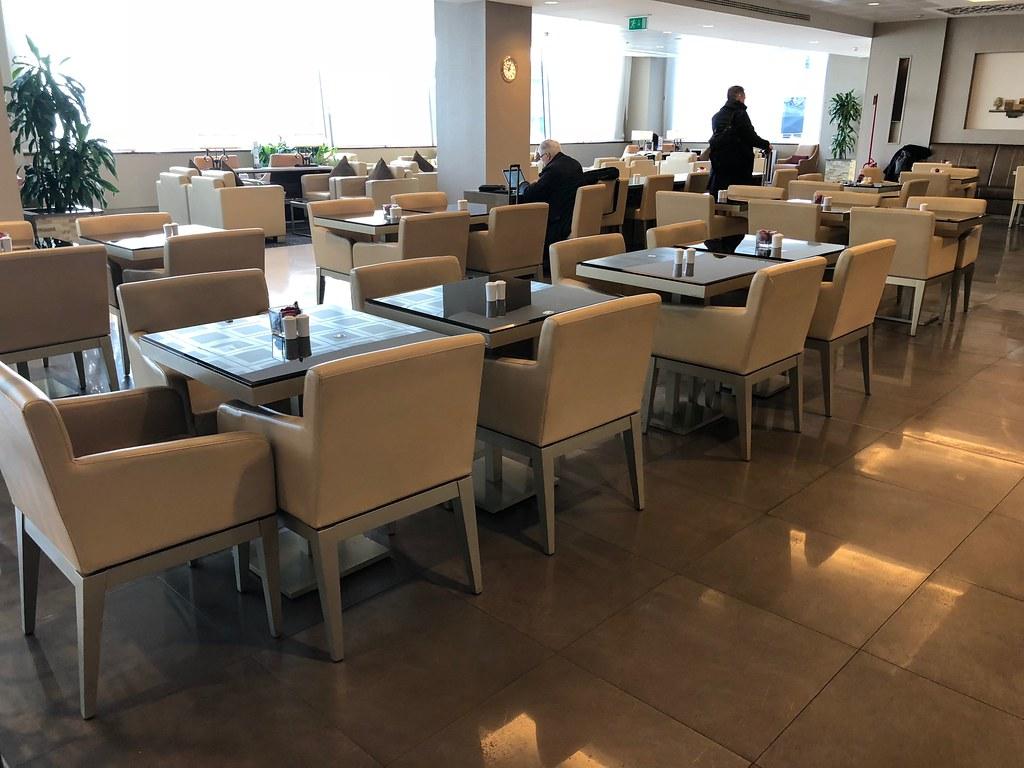 Emirates Lounge Milan MXP 16