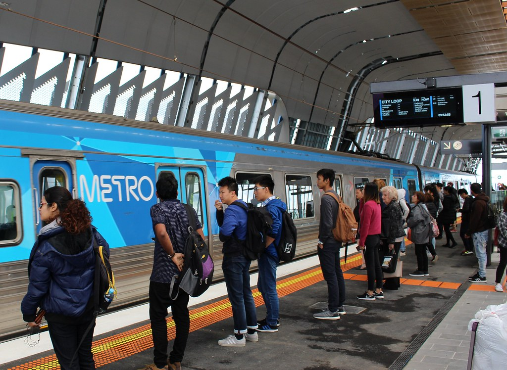 Inbound Metro train at Clayton station