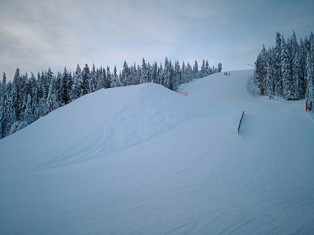 Ski jump at piste 23