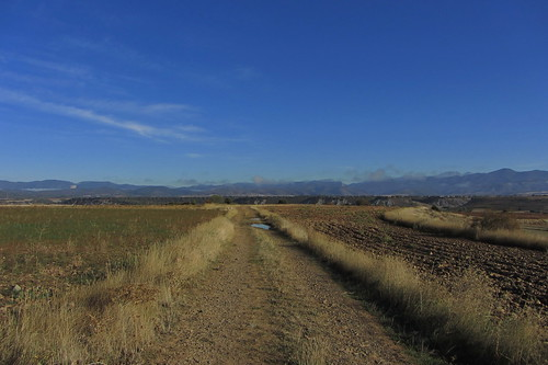 20121001 33 177 Jakobus Pyrenäen Berge Felder Weg