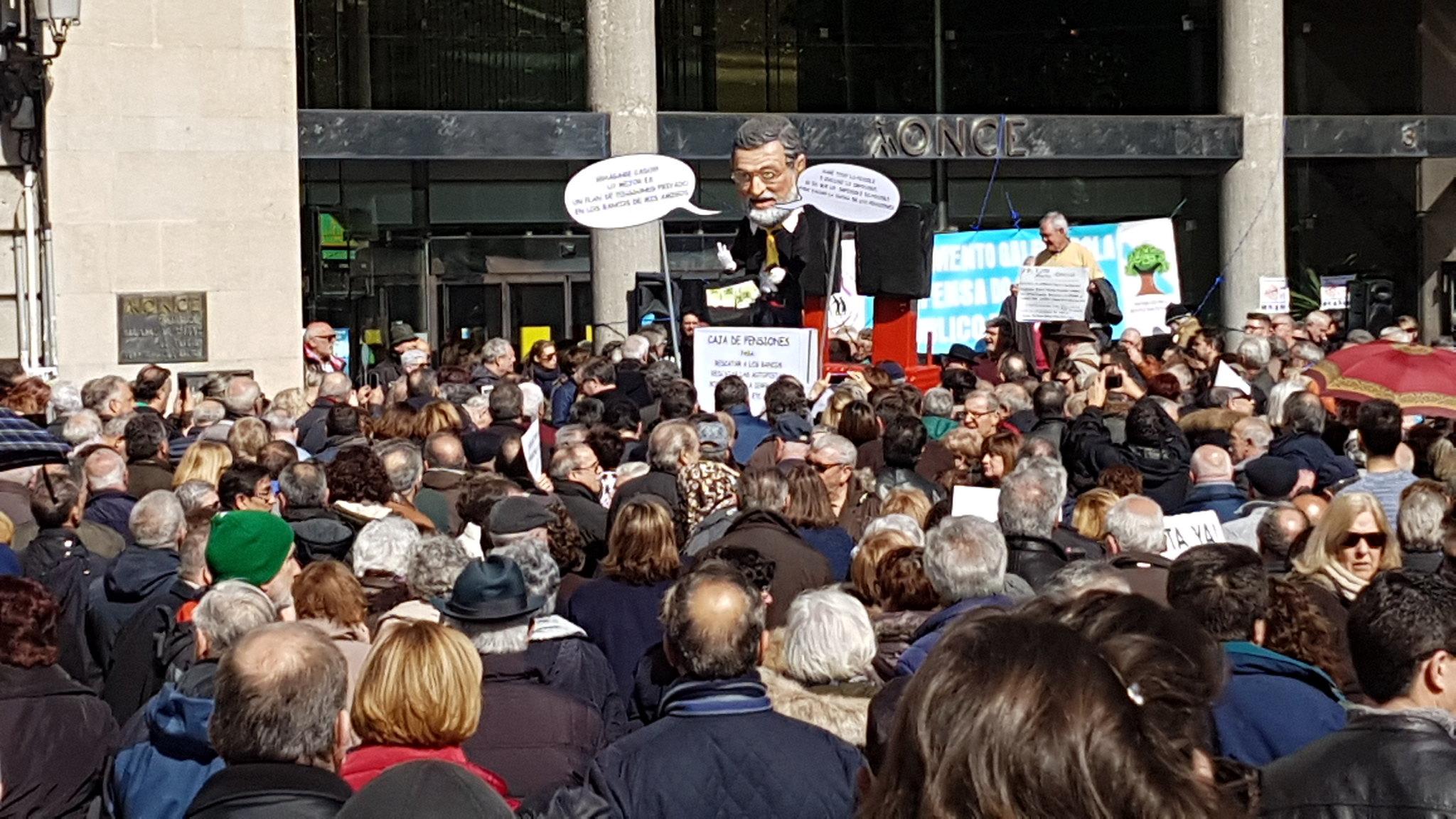 Mariano Rajoy, el centro de la atención, faltaría más, es quien gobierna