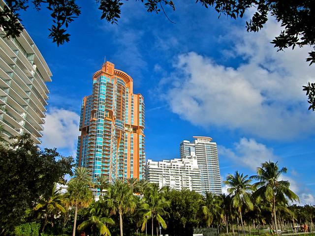 Condos -- Miami Beach, Canon POWERSHOT ELPH 100 HS