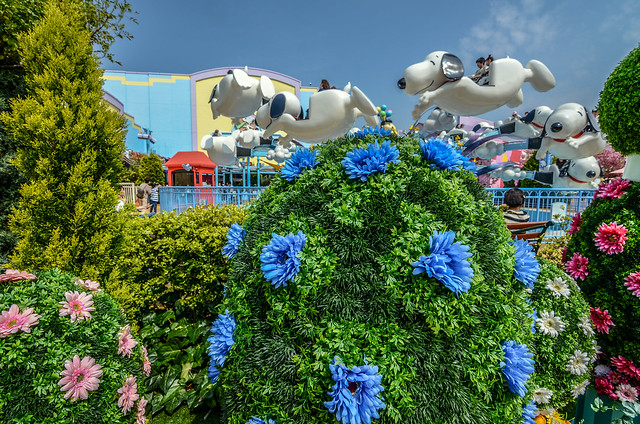 Snoopy ride USJ