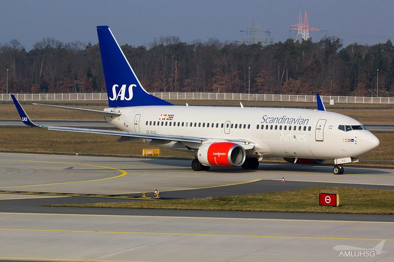 SAS - B737 - SE-RJU (1)