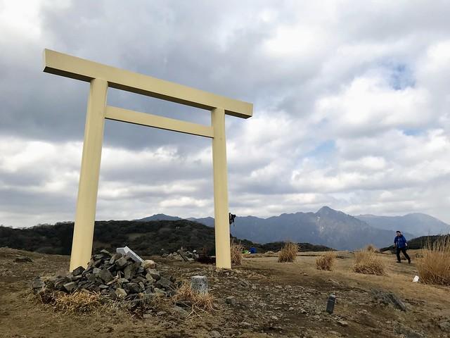 入道ヶ岳 山頂 鳥居