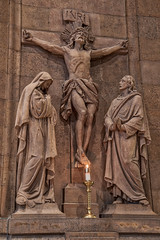 Basilica Crucifix ahdr