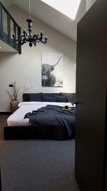 Slaapkamer zwartgrijs, landelijke stijl