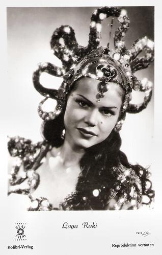 Laya Raki in Die Dritte von rechts (1950)