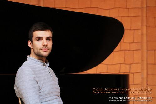 MARIANO MIGUEL SÁNCHEZ, PROFESOR PIANISTA ACOMPAÑANTE - CICLO JÓVENES INTÉRPRETES 2018 - CONSERVATORIO DE LEÓN