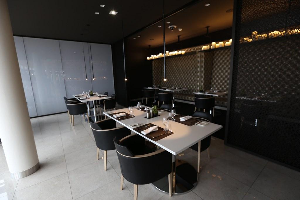 Qatar lounge at Paris CDG 46