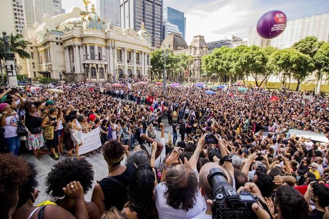 A cerimônia, que aconteceu no Salão Nobre da Câmara dos Vereadores do Rio de Janeiro, foi restrita a amigos e familiares - Créditos: Pablo Vergara