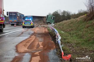 Lkw-Unfall A3 Limburg 04.04.18