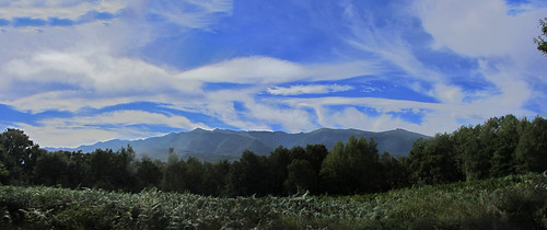 20120925 27 084 Jakobus Wolken Pyrenäen Hügel Wald Farne_P01