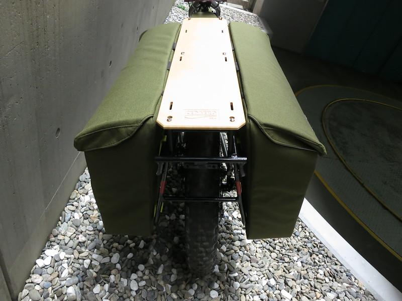 CEDAERO Blackborow Pannier 2