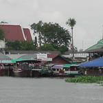 Wat Don Wai water market