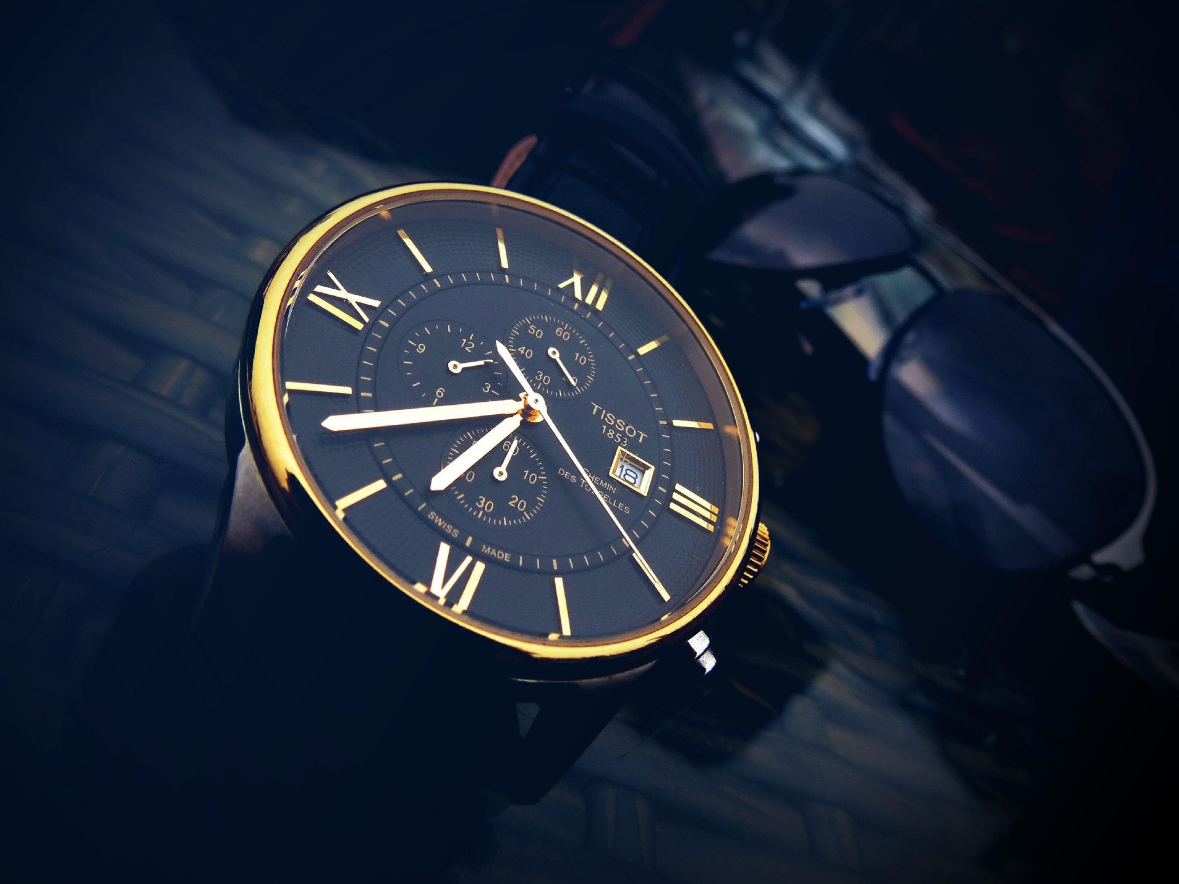 close-up-glass-gold-908629