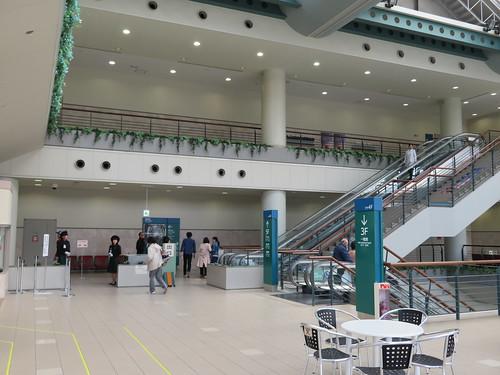 福島競馬場の指定席入口