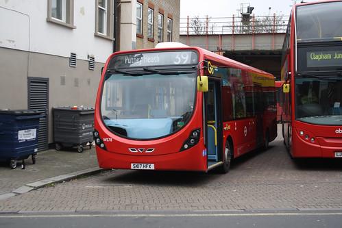 Go-Ahead London WS78 SK17HFX