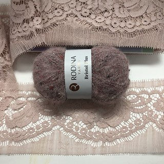 Bristol Plus 54086 и Кружево RM Chantilly Cotton Rose Couture
