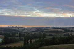 20120919 22 043 Jakobus Morgenrot Hügel Feld Bäume Wolken