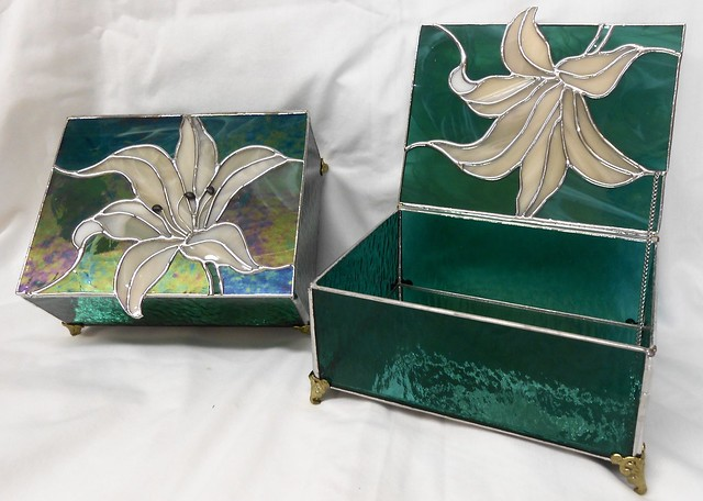 2 Lily Jewelry Boxes