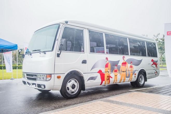 今年初花蓮地震搜救期間,由「台灣戴姆勒亞洲商車股份有限公司」捐贈予消防署訓練中心及特種搜救隊的ROSA中型巴士,也將進行展出