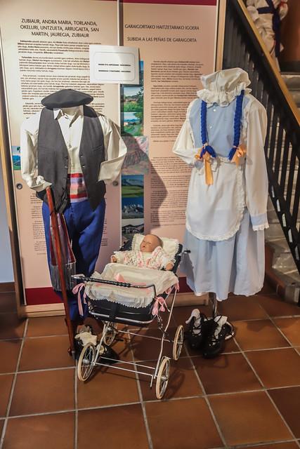 INUDE ETA ARTZAIAK- NAFARROA / NAVARRA- NODRIZAS Y PASTORES .Museo de Orozko 2018 #DePaseoConLarri #Flickr -2