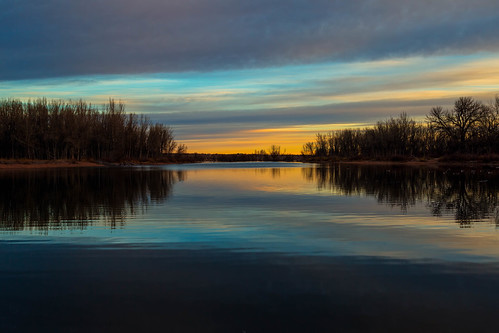 dawn daybreak sunrise morning landscape lake silhouettes trees clouds chatfieldstatepark lakechatfield colorado reflections