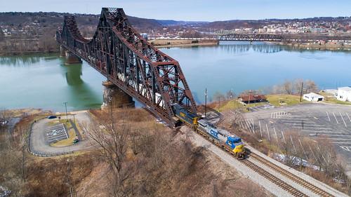 7864 beaver bridge c21 csxpittsburghsub csxq370 csxt7779 csxt7864 drone ohioriver ple plerr pittsburghsub pittsburghandlakeerie q370 train yn2 aerial aerialphotography dronephotography railroad trainbridge trains