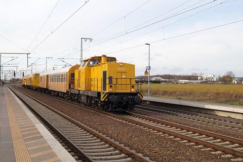 293 009 mit Bauzug in Rodleben