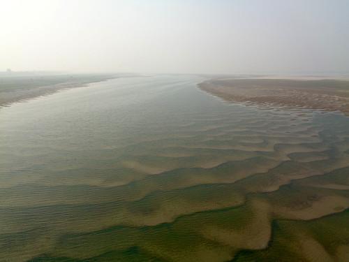 मोकामा से होकर गुजरती गंगा नदी