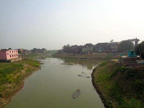 त्रिमुहान, यहीं से हरोहर नदी शुरू होती है
