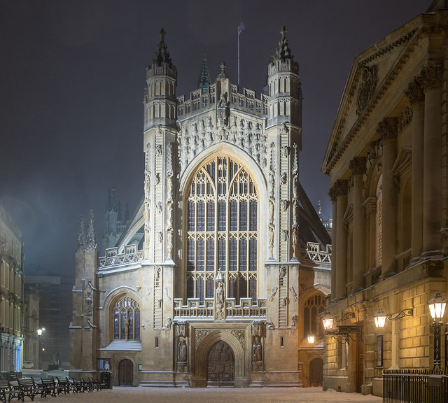 Bath Abbey at night, Nikon D500, AF-S DX VR Zoom-Nikkor 18-105mm f/3.5-5.6G ED