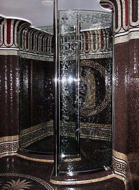 sprchový kout s gravírovaným designem