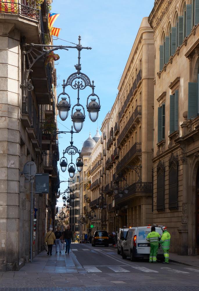 Три цвета каталонской весны