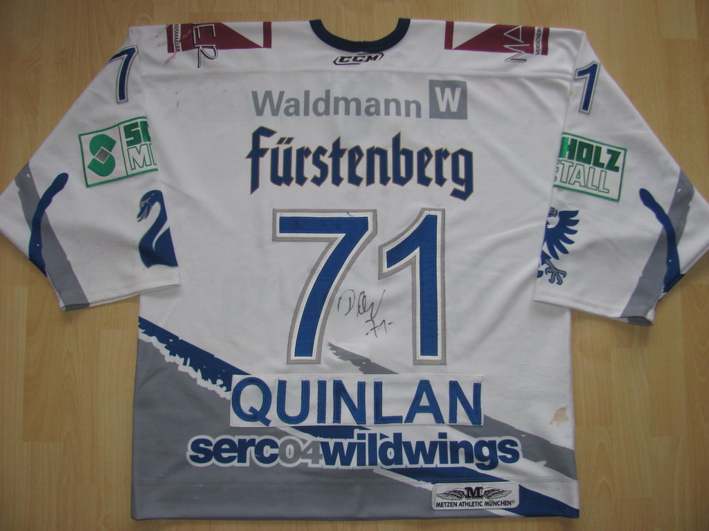 71 Dominik QUINLAN Game Worn Jersey.  7 Ryan GAUCHER in action. SERC Wild  Wings ... fc84c31b8