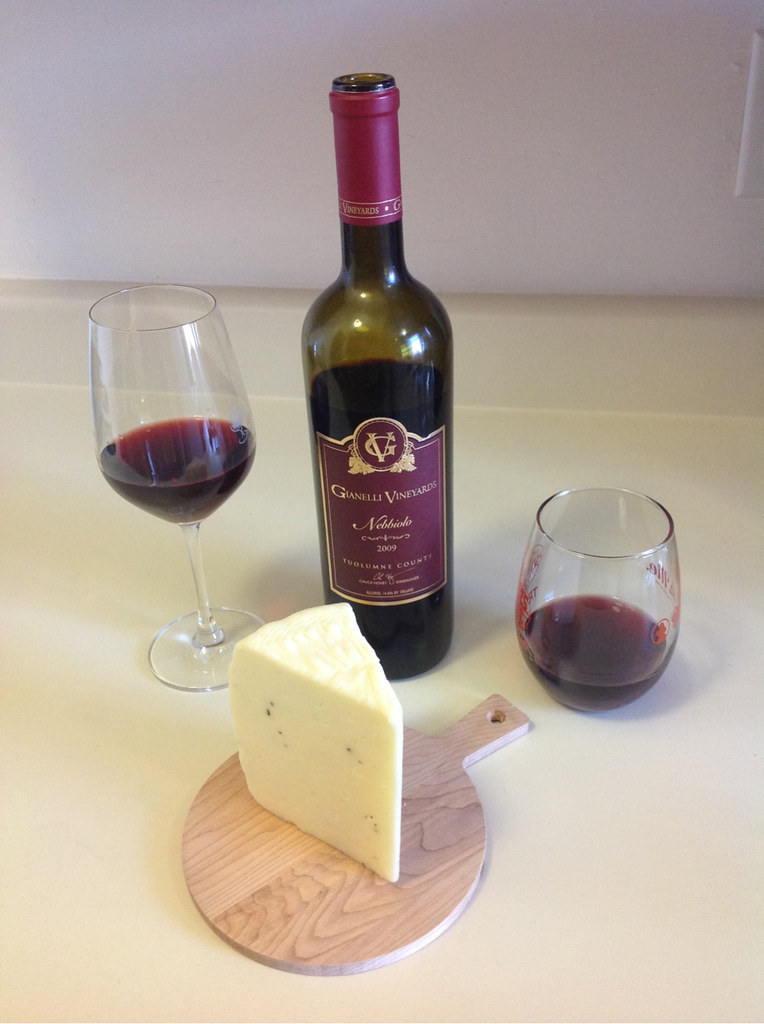 nebbiolo-and-italian-truffle-cheese_1