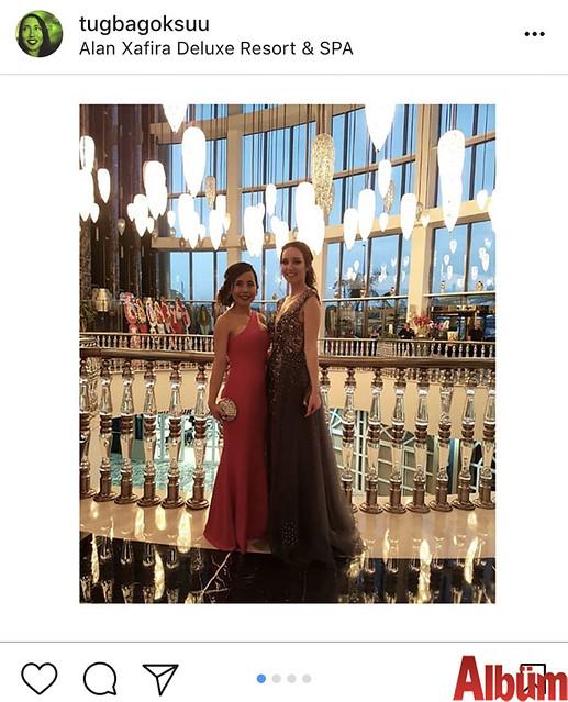 Tuğba Göksu, yakın dostu Busem Kırbıyık'ın, Alan Xafira Hotel'deki nişan töreninden bu fotoğrafı paylaştı.