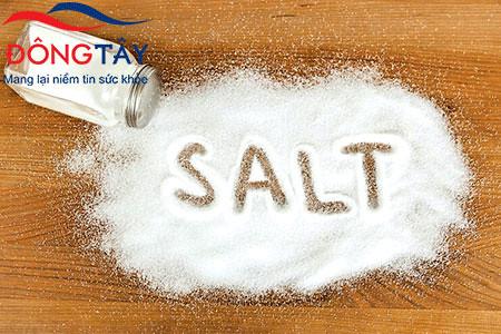 Người bệnh thiếu máu cơ tim nên hạn chế ăn những thực phẩm chứa nhiều muối