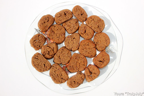 Yummy and good for you: The vegan version of my Homemade Chestnut Crumble Cookies is healthy and low in calories.