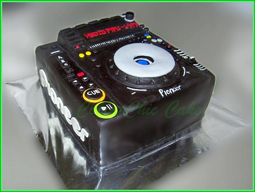 Cake Pioneer DJ Mixer - DJ PIPU 15 cm