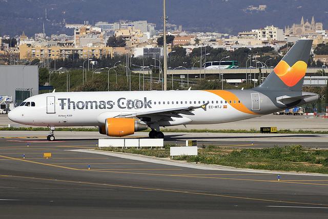EC-MTJ. A-320. Thomas Cook Balearics. PMI.