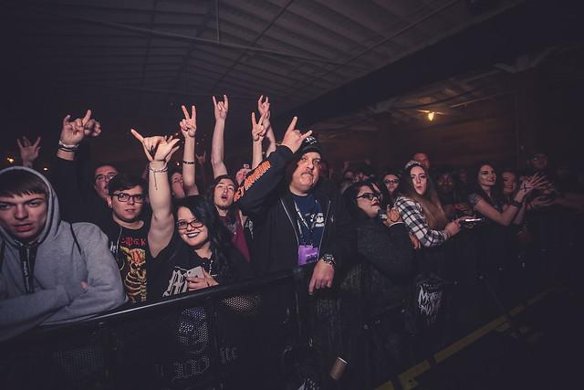 Fans 12 (1 of 1)